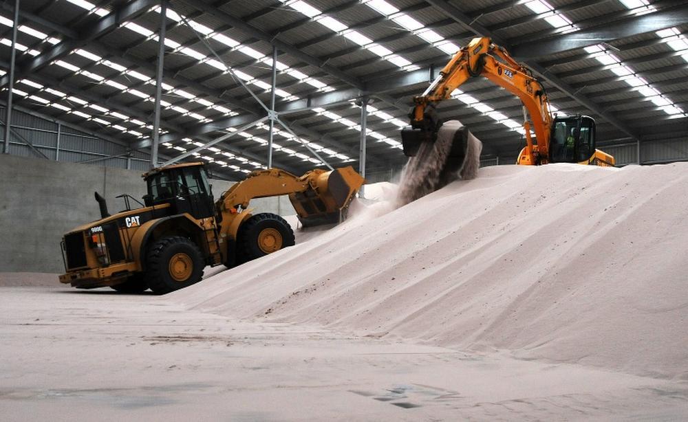 Caption: zircon stock pile, Port of Melbourne, Iluka Resources